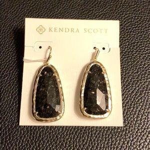 NWT Kendra Scott Lyn Earrings